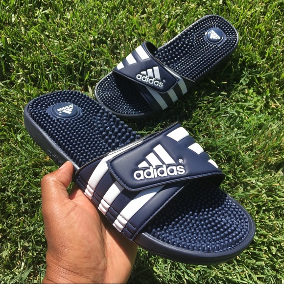 4249c585e ADIDAS ADISSAGE ADJUSTABLE STRIPES SLIDE NAVY. NWT